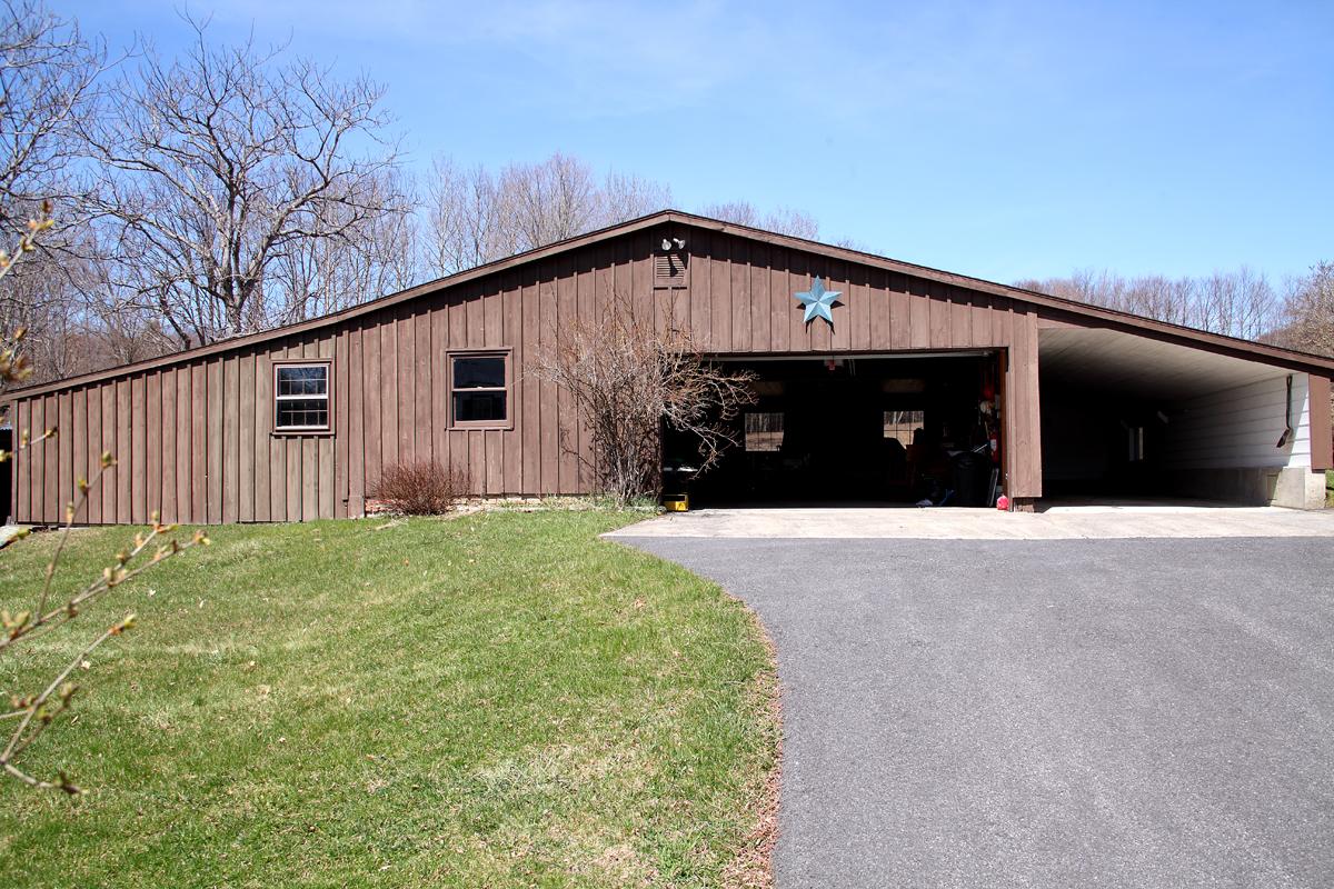 854 County Route 405, Westerlo, NY